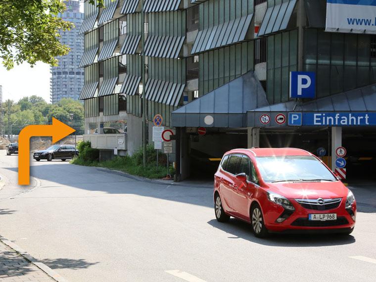 Weg zum Parkhaus im Bohus Center (abc-Parkhaus)